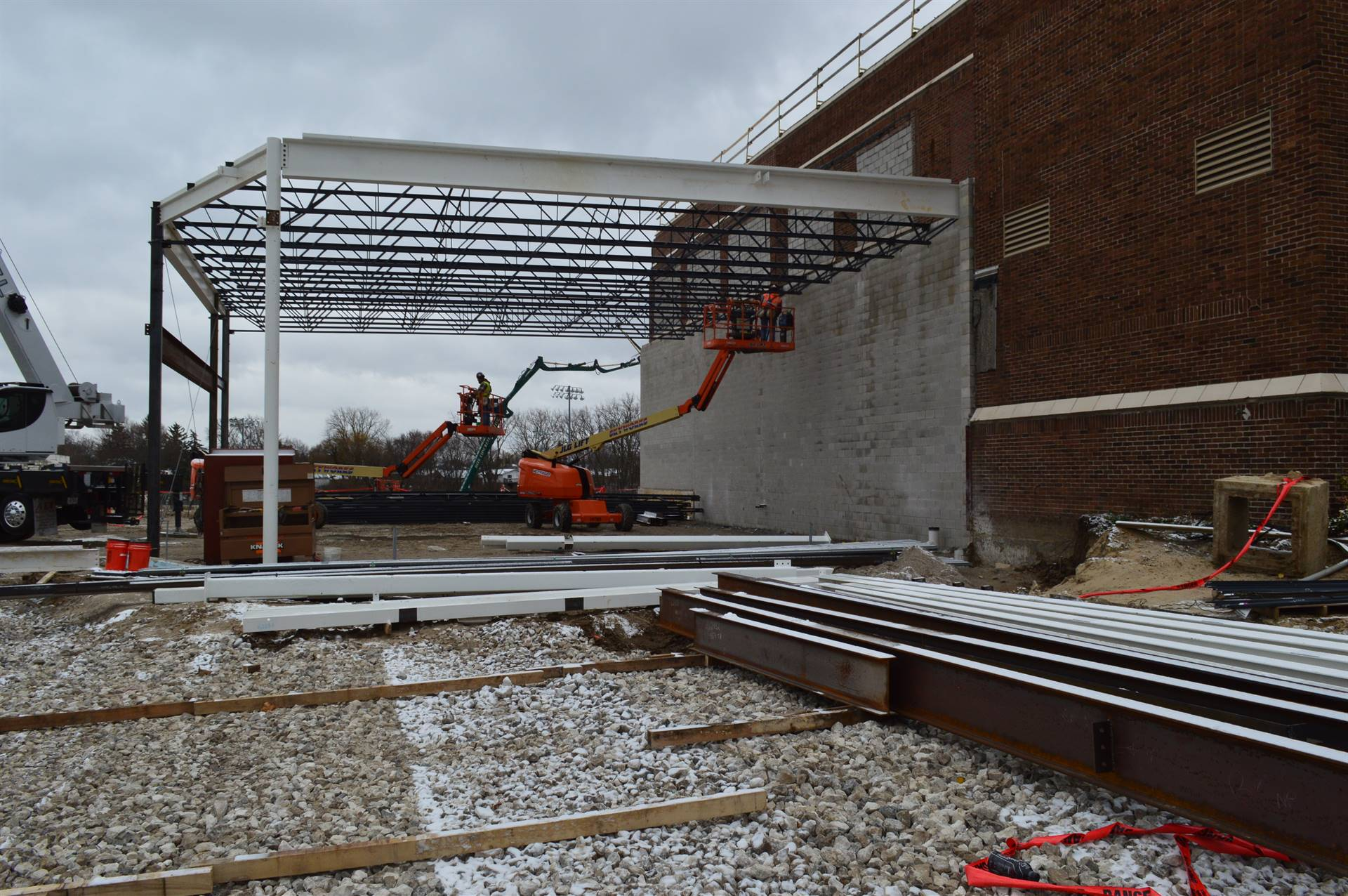 New Steel going up at RHS